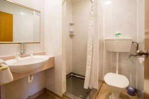 Te Anau motel accommodation - bathroom